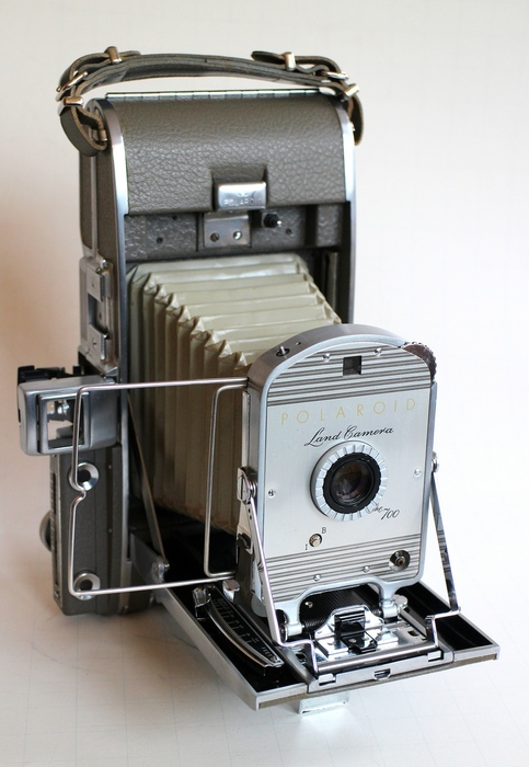 "Polaroid  Rolfilm camera  ""The 700 ""      incl. flash 250+bounce"