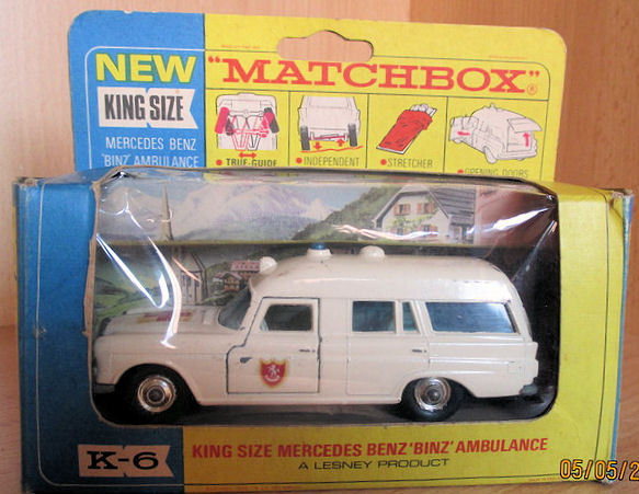 Matchbox King Size - Schaal 1/43 - Mercedes Benz Ambulance