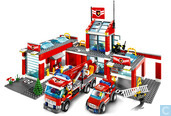 Lego 7945 Fire station