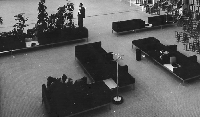 Kho Liang Ie Schiphol.Schiphol Hall Hanging Sculpture Andre Volten And Couches