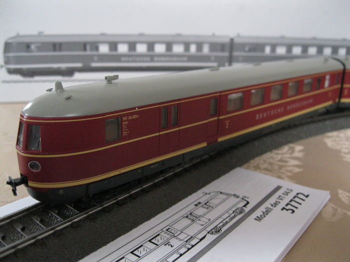 Märklin H0 - 37772 - Diesel Train Unit SVT 04  of the Deutsche Bundesbahn