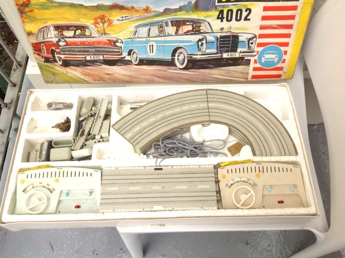 Faller AMS - 1/66 scale - Auto Motor Sport 4002 box, models, and