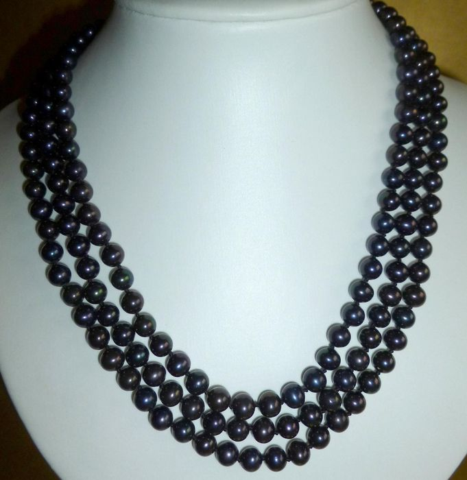 3 String Necklace Of Black Akoya Pearls Catawiki
