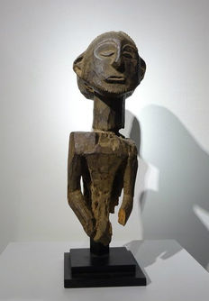 Old fetish figure - HEMBA - D.R. Congo