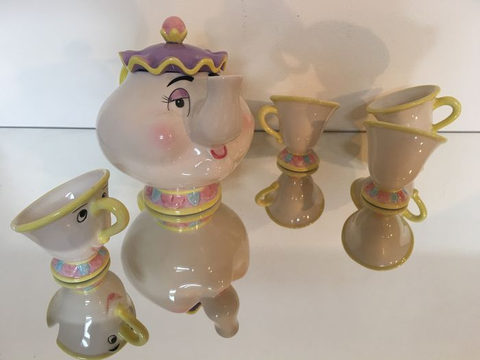 Limited Edition Mrs Potts And Chip Tea Set Disney