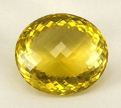 Yellow lime citrine 115,94 ct