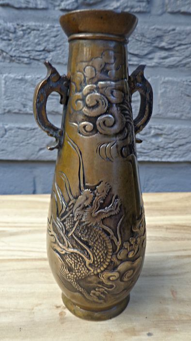 Small Bronze Vase China Late 19th Early 20th Century Catawiki