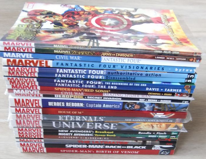 Various Marvel tpbs including Marvel Zombies, Fantastic Four