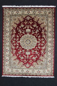 Nice LAHORE Carpet in wool and silk base, bright colours, floral motifs, 241 x 183 cm, 20th century
