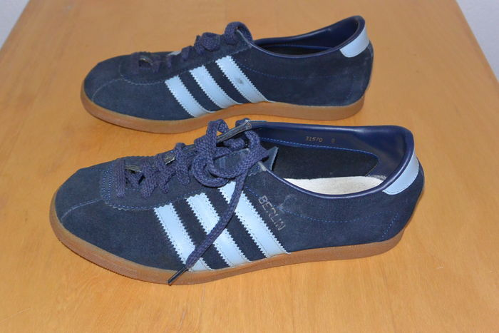the latest e0873 162b0 Adidas - Vintage