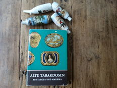 Four porcelain pipe heads & literature: Old tobacco boxes from Europe and America (1966)