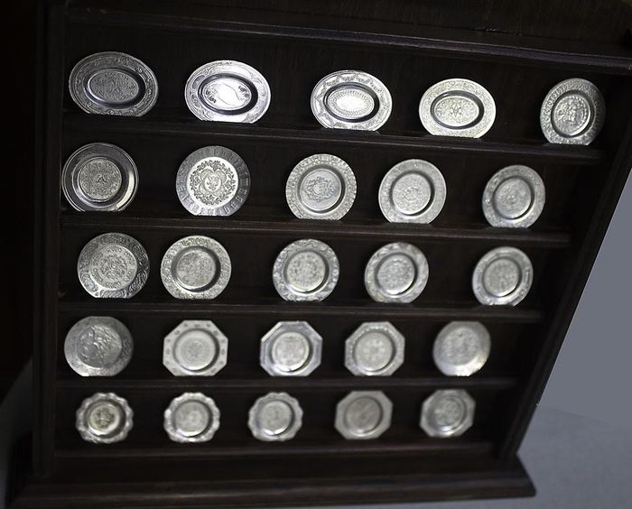 Franklin Mint - Miniature Plate Collection of 25 plates - Silver & Franklin Mint - Miniature Plate Collection of 25 plates - Silver ...