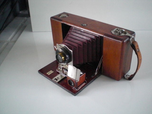 Ansco Buster Brown Folding balgcamera.