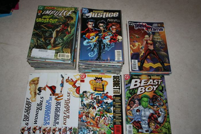 Various DC comics including Impulse, Young Justice, Teen Titans and Beast Boy - 117 x sc (1997/2004)
