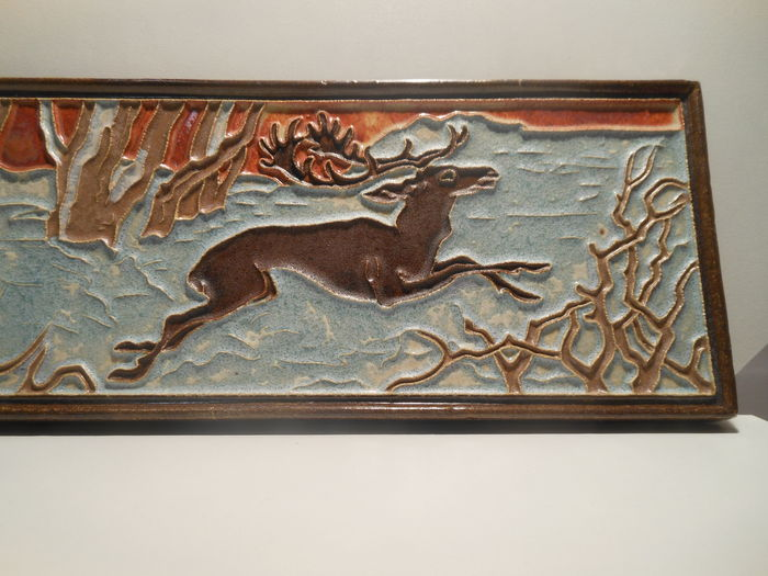 Art Deco Tegels : Porceleyne fles delft large art deco cloisonne tile tegel dog hunting