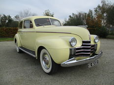 Oldsmobile - 2 door sedan - 1940