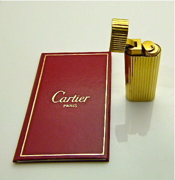 Les must de Cartier Paris Swiss made 18k gold plated vintage lighter