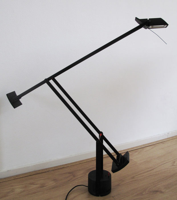 Richard Sapper for Artemide - Tizio desk lamp - Catawiki