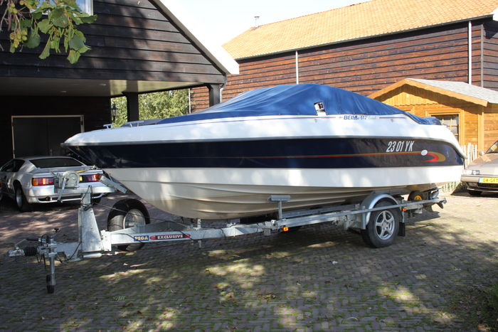 Bella 612 (621) EXEL including 200 hp Evinrude and Pega exclusive trailer -  Catawiki