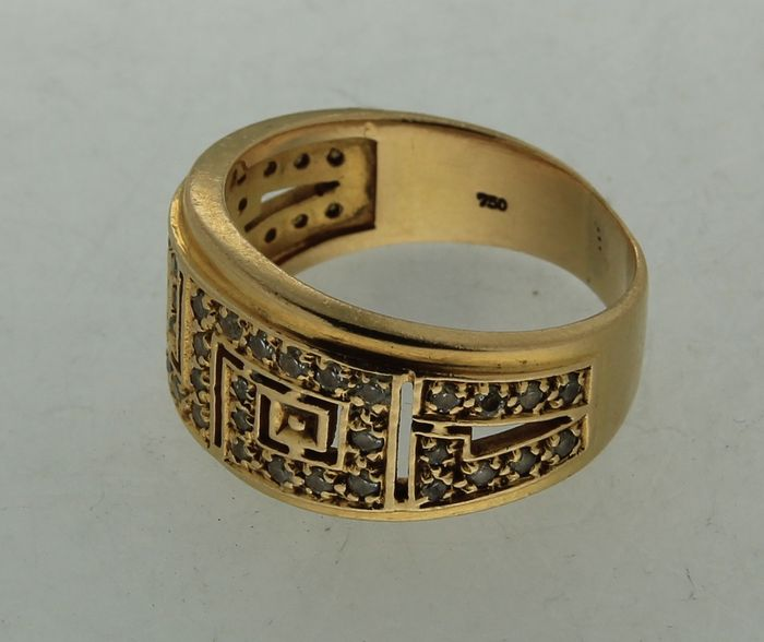 heavy gold ring with pattern catawiki