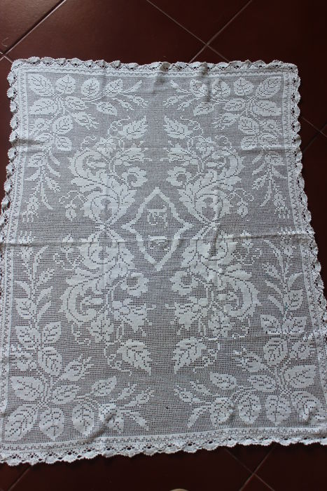 Portuguese Lace white Handmade Towel
