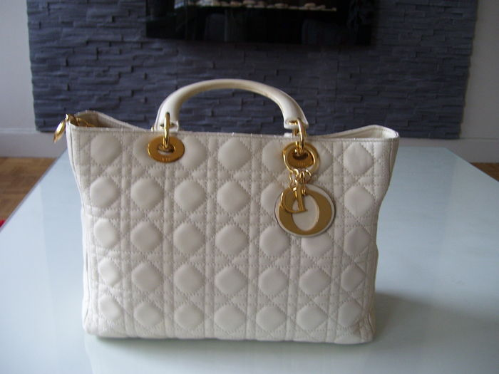 16f2f3d451e Christian Dior - Lady Dior - Handtas / Schoudertas - Groot model ...