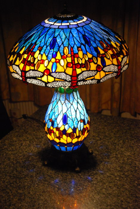 figure tiffany lamp dragonfly item lamps