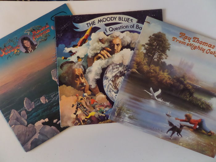 Lot of eleven (11) albums of the Moody Blues and individual members of the  group  - Catawiki