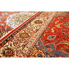 LARGE SAROUQ IN THE FINEST 19TH CENTURY TRADITION 245 cm x 330 cm .