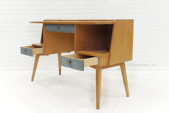 Auping desk dressing table catawiki for Nfpa 99 table 5 1 11