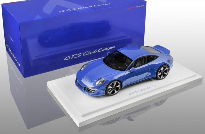 Porsche Exclusive dealer edition - Scale 1/18 - Porsche 911 (991) GTS Club USA Coupe - Azul Blue