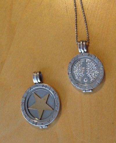 Mi moneda pendants with two coins catawiki mi moneda pendants with two coins aloadofball Gallery