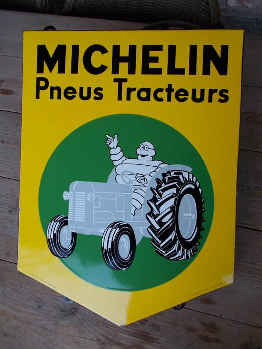 ancien panneau publicitaire en maille d 39 origine tracteur michelin des ann es 50 catawiki. Black Bedroom Furniture Sets. Home Design Ideas
