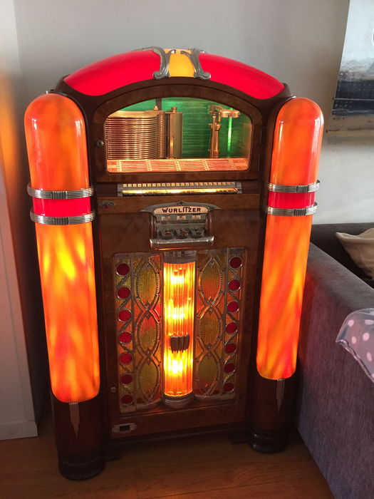 Wurlitzer model 800 jukebox from 1941 - beautifully restored - Catawiki