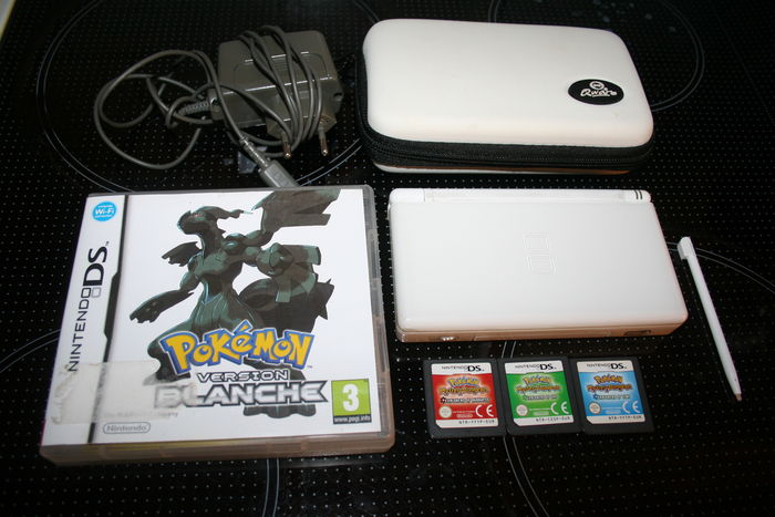 nintendo ds lite jeux pokemon housse catawiki. Black Bedroom Furniture Sets. Home Design Ideas