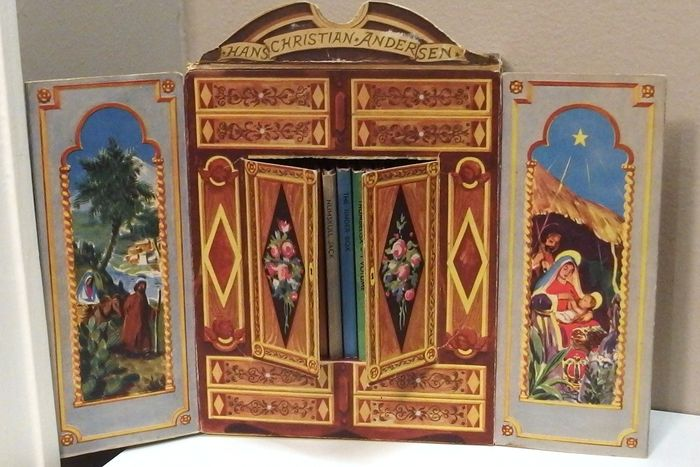 armoire en carton contenant 12 mini livres des contes d andersen en langue anglaise 1949 catawiki. Black Bedroom Furniture Sets. Home Design Ideas