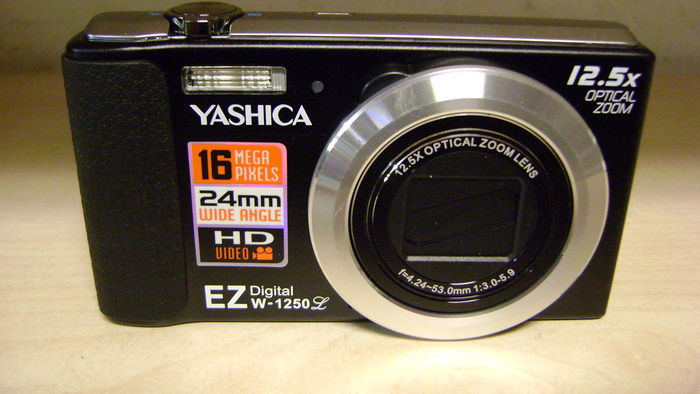 Yashica EZ W-1250 digitale camera