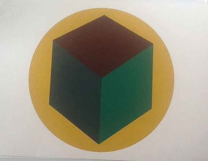 Sol Lewitt - Centered cube within a yellow circle