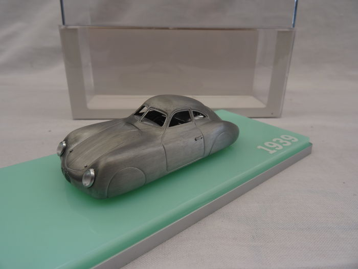 TrueScale Miniatures - 1:43 - Porsche Type 64 1939 - Color gris