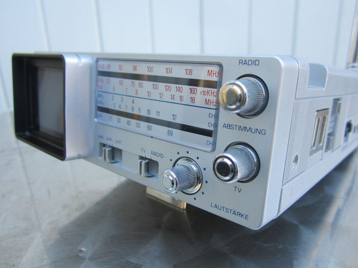 Orion Electric Co. TVR-7120 tv/radio