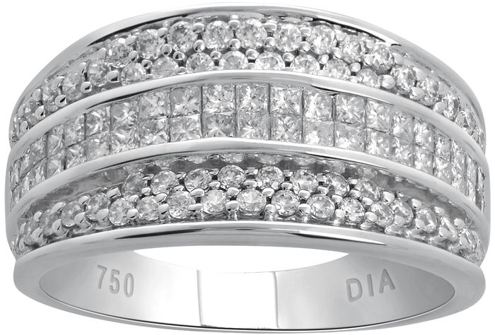 18kt White gold cocktail ring with round brilliant and princess cut diamonds, 1.25ct total diamond weight.