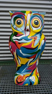 Exclusive painted owl -  0.95 m - 21st century