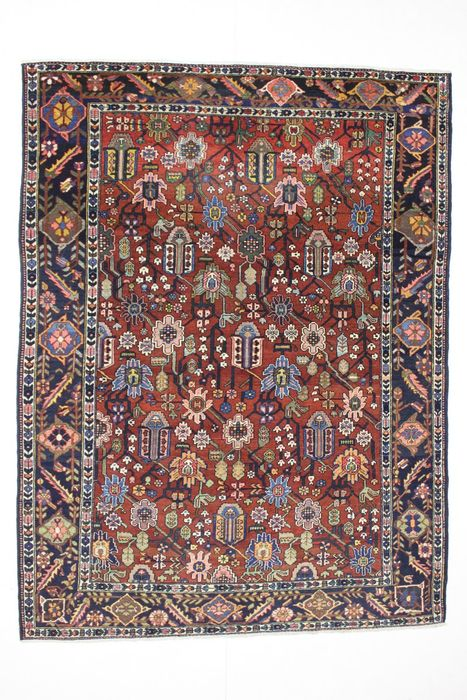 Magnificent BAKHTIAR carpet, collectible, Iran, old, 298 x 224 cm