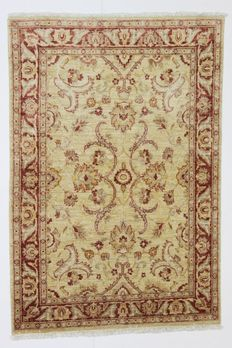 Beautiful ZIEGLER rug, Afghanistan, 20th century, 173 x 116 cm, wool spun by hand, plant-based colours.