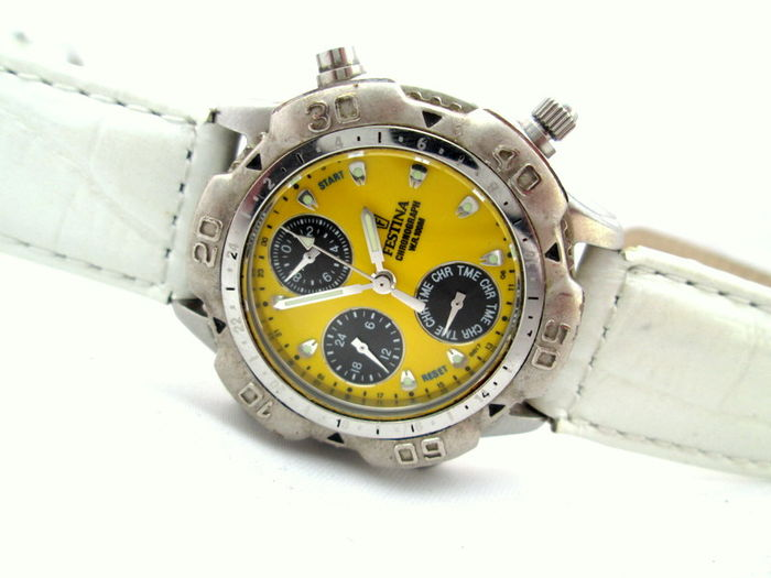 Festina F Special Edition Chrono Registered 8817 -- Wrist watch
