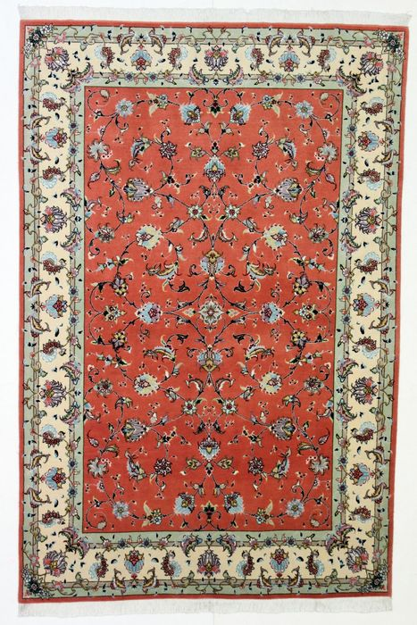 Magnificent Tabriz carpet, very thin, before 1970, kork, 202 x 130 cm.