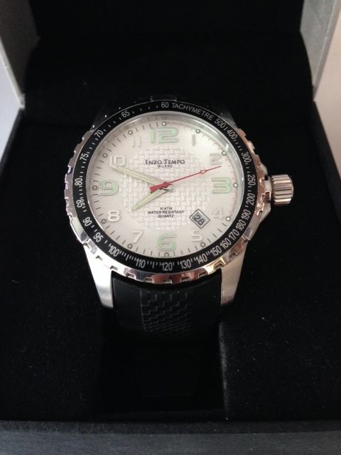 Enzo Tempo Milano -- Men's wristwatch