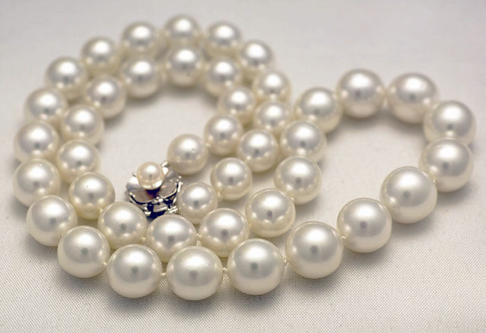 White South Sea pearl necklace 8-11 mm with handmade white golden clasp