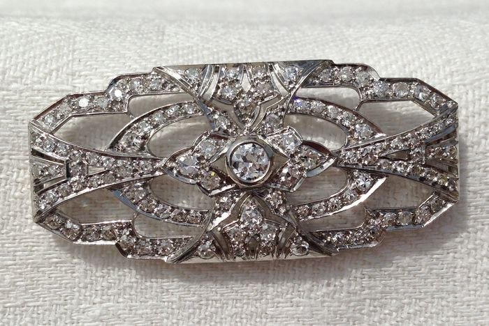 Platinum brooch/pendant fully pave setting with 2.6 ct. in diamonds