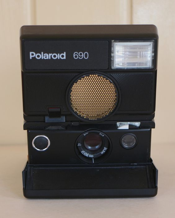 POLAROID 690 - rare, highly sought after - Catawiki d6b746d509ad